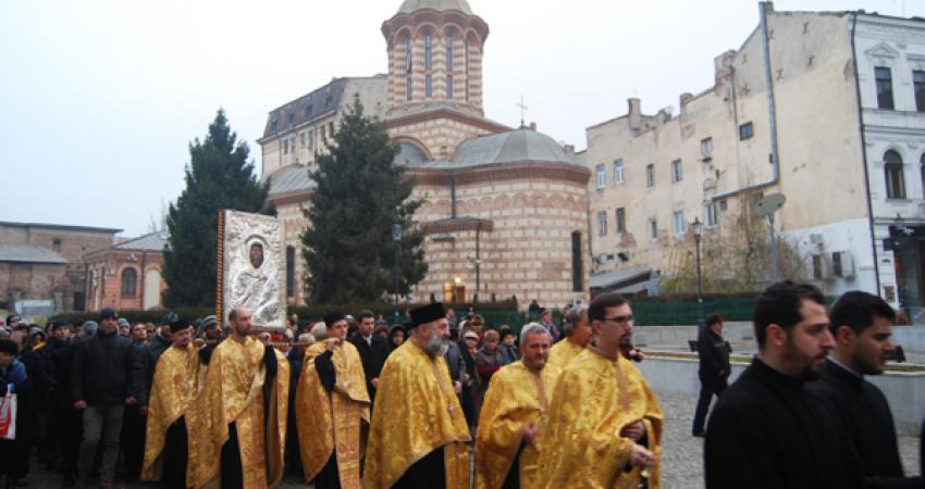 Procesiune cu icoana Sf. Antonie la Curtea Veche